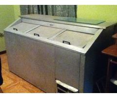 Freezer Cervezero 25 cajas a 30,  3 puertas