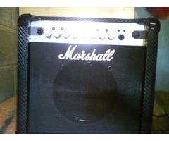 Squier by Fender,Bullet Strat,Hss.Amplificador Marshall,MG15CFX