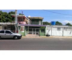 Casa Grande y Confortable en 1° de Mayo,Maracaibo