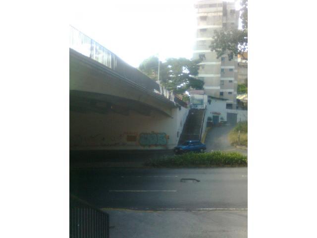 Plaza Venezuela al lado del Seniat, metro, Av. Libertador - 3/5