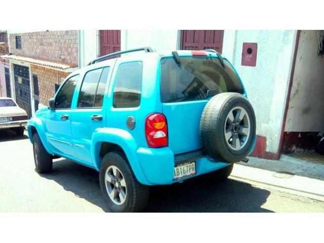 Jeep Cherokee Liberty 2002 4x2 automatica. Mantenimiento al día. - 2/5