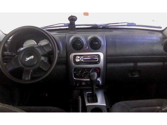 Jeep Cherokee Liberty 2002 4x2 automatica. Mantenimiento al día. - 4/5