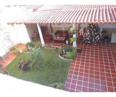 VENDO LINDA TOWN HOUSE EN LLANO ALTO, CARRIZAL
