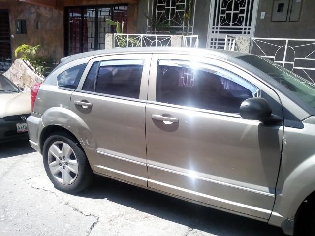 Dodge Caliber 2007 - 1/6