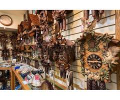 Únicos en Venezuela, ventas de relojes cucú, ventas de repuestos y servicios de reparación.  También