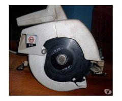 "Sierra Circular de 7 1/4 "" marca Black&Decker de 1 HP"