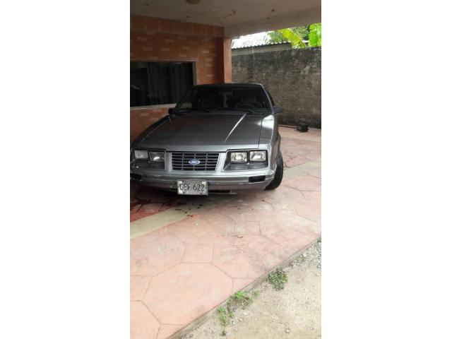 Ford Mustang GT 1984 - 1/5