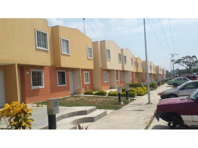 Town House a Estrenar - 2/6