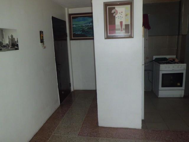 APARTAMENTO 100% HABITABLE UBICADO EN MUY BUENA ZONA VIA PALONEGRI MARACAY - 4/6