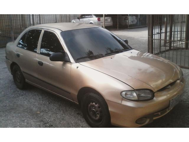Hyundai Accent automático 2004 color dorado - 3/6