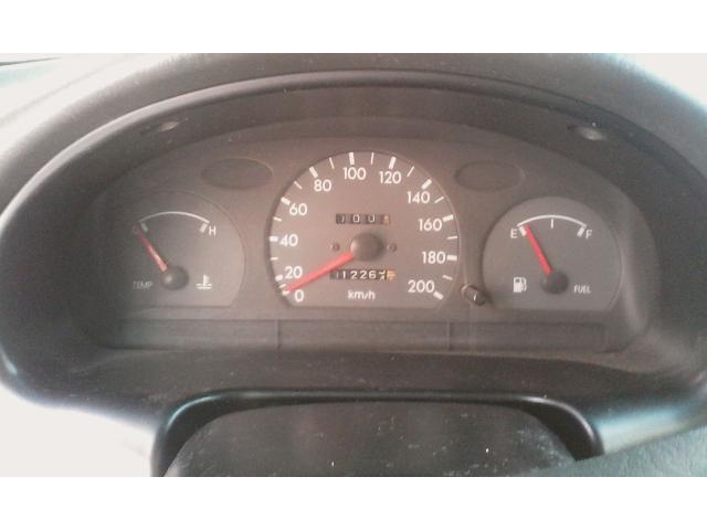 Hyundai Accent automático 2004 color dorado - 4/6