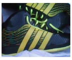 botas adidas  talla 43  nuevas