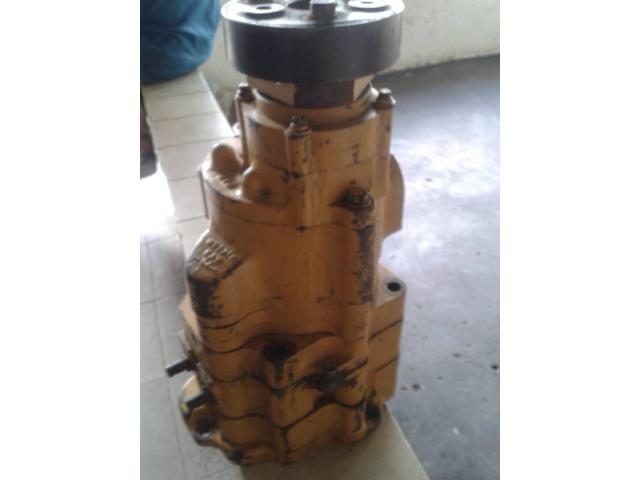 Bomba hidráulica de la caja del Tractor D9N Caterpillar - 1/6