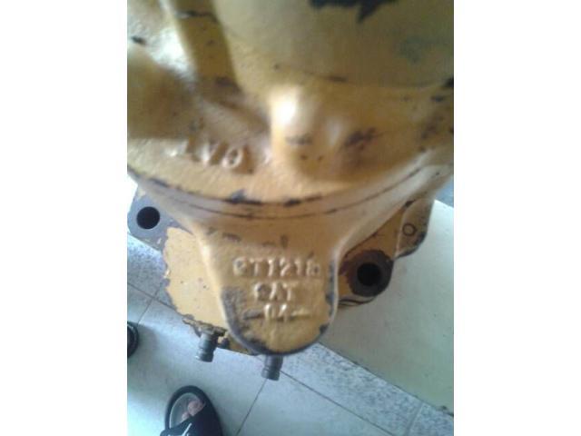 Bomba hidráulica de la caja del Tractor D9N Caterpillar - 3/6