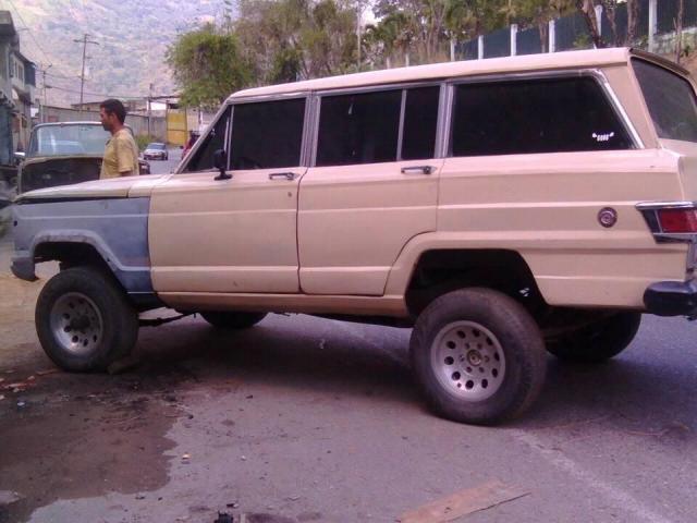 Wagoneer 77 Cambio o Vendo - 2/5