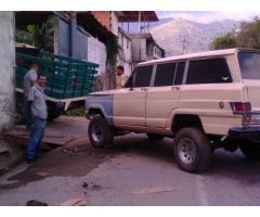 VENDO O CAMBIO MI WAGONEER 77 EN GUARENAS