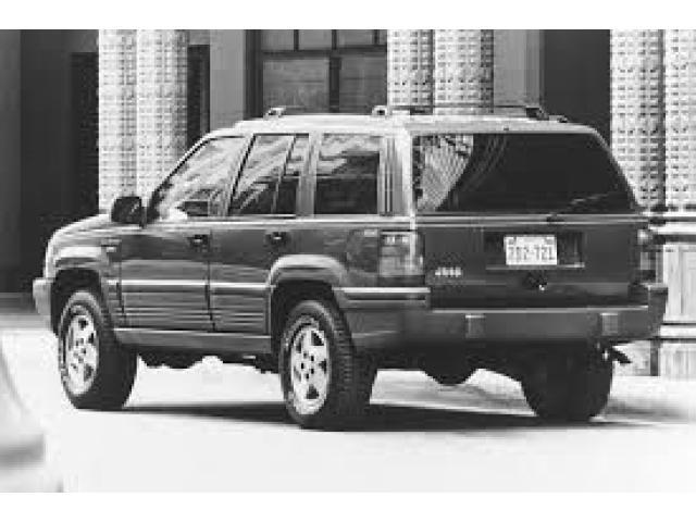 jeep laredo - 1/1