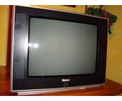 """Televisor 21"""" muy poco uso. Modelo HTF21S34"""