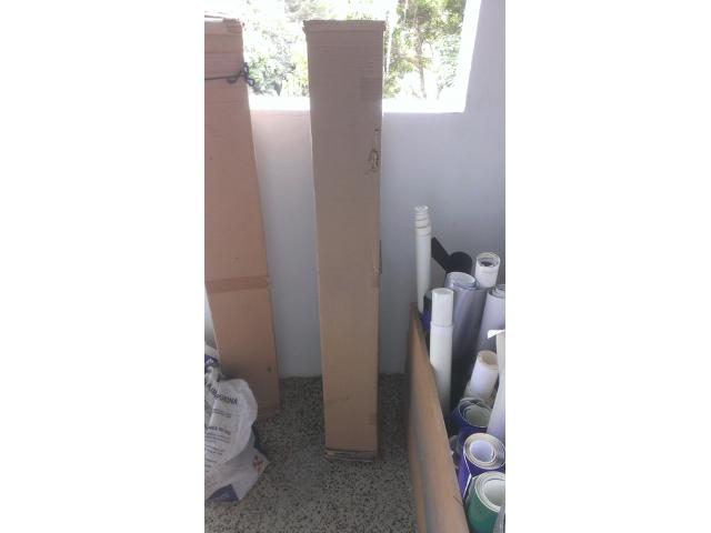 Rollos de vinil de corte autoadhesible de 50 mts. x 1,22 color rojo y Silver - 2/2