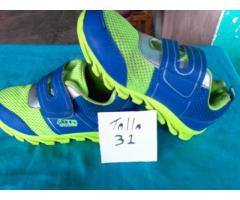 se vende zapatos usados de niño