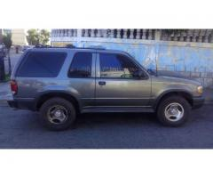 Vendo mi camioneta Explorer año 2000 o Cambio por Vitara