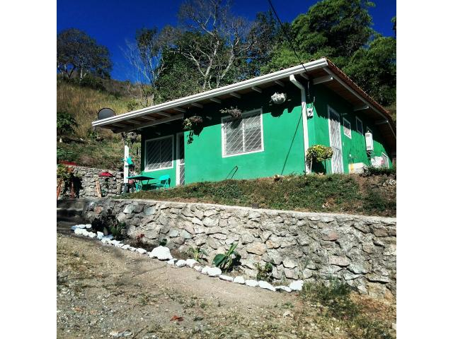 Hermosa casa de campo con 6500 mts cuadrados de terreno Granja finca con Galpon y deposito - 1/6