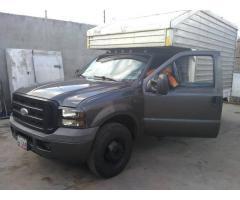 Camion 350 tritón con cava de aluminio