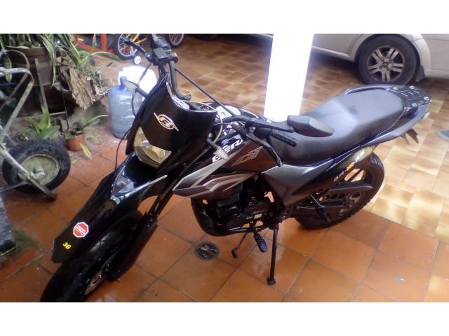 Moto bera Super DT año 2014 con 7500 Kms - 1/6
