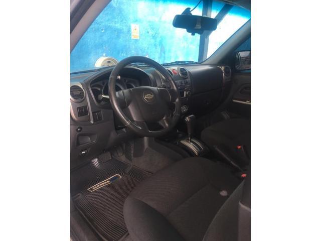 Camioneta Chevrolet  Lud Dmax Automática, año 2013 color Plata - 3/6