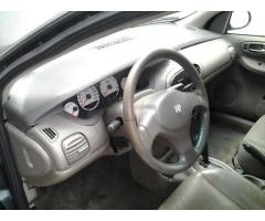 Chrysler Neón 2006