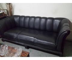 mueble en semi cuero