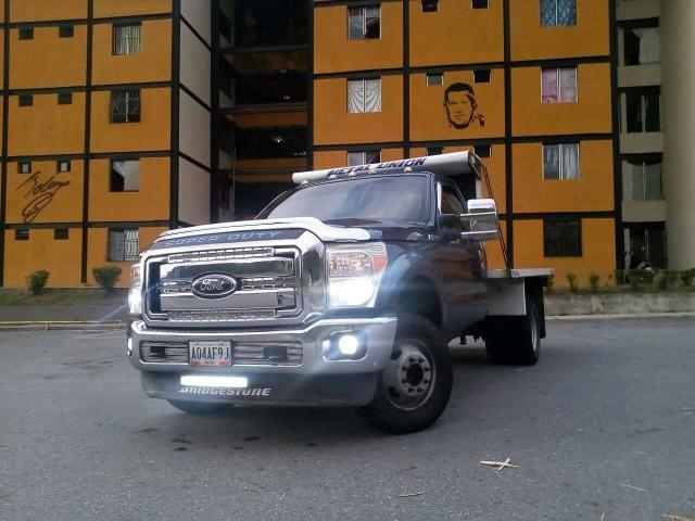 Super Duty Año 2011 4x4 se cambia por Chevrolet NPR. - 1/6