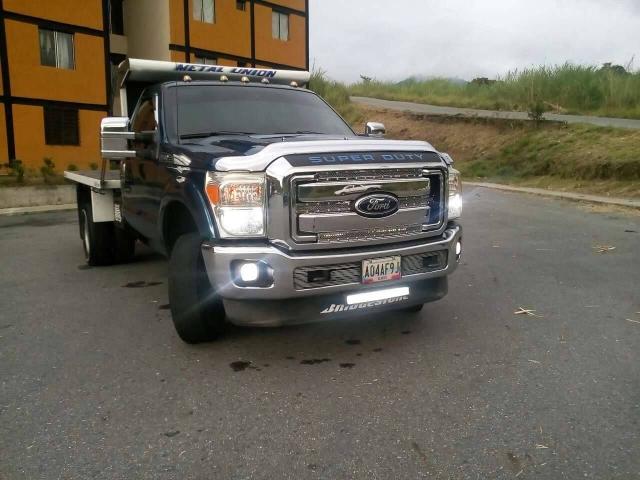 Super Duty Año 2011 4x4 se cambia por Chevrolet NPR. - 3/6