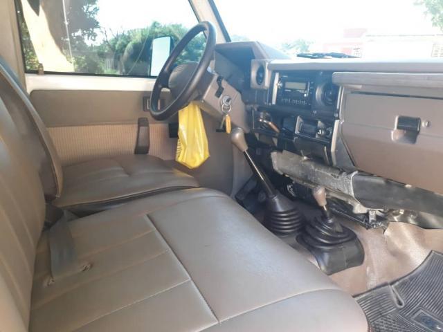 Vendo hembrita Toyota 2007 cero detalles verla es com - 3/5