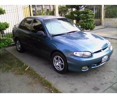 Hyundai Accent automatico año 2000
