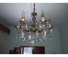 lampara de bronce con lagrimas de cristal
