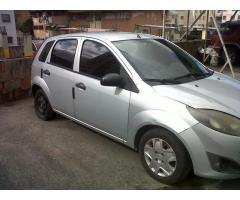 ford fiesta movee 2300$ negociable