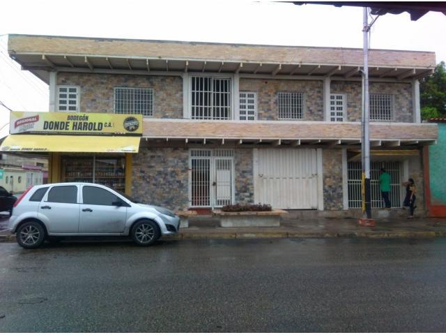 Se Alquila Local Comercial - 1/6