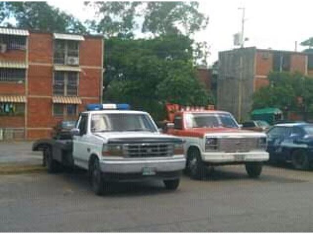 Servicio de Grúas LF Cars las 24h al Día - 4/5