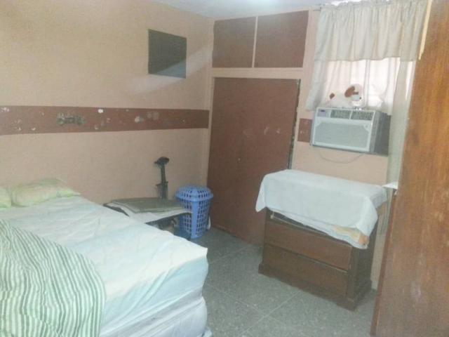 Apartamento en Venta - Av Las Lagrimas - Proponga forma de pago - 2/3