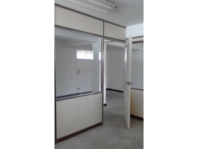 En Puerto la Cruz Oficina/Consultorio  50 mts.2 - 5/6