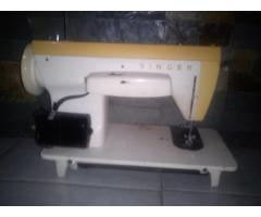 maquina de coser zig zag singer antigua en buenas condiciones