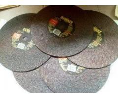 Vendo Trozadora de metal Dewalt usada 02 veces con 05 Discos de corte(casi nueva)