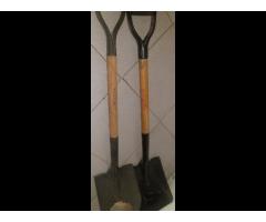 Palas con Cabo de madera Cuadradas Usadas 02 veces