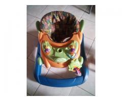 Andadera, silla para bebe, porta bebe coche paragua y corral