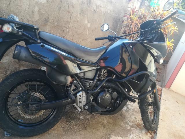 Moto KLR año 2014 - 1/6