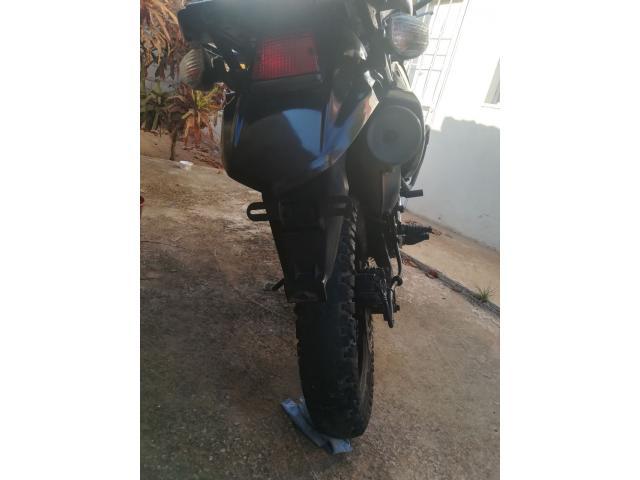 Moto KLR año 2014 - 4/6