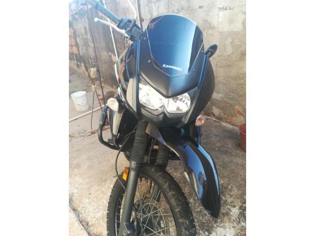 Moto KLR año 2014 - 5/6
