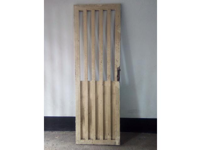 Se vende reja entamborada para puerta (usada) - 1/1