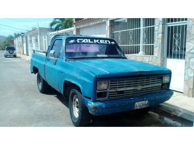 Barata Camioneta Pickup Chevrolet año 84 - 1/6
